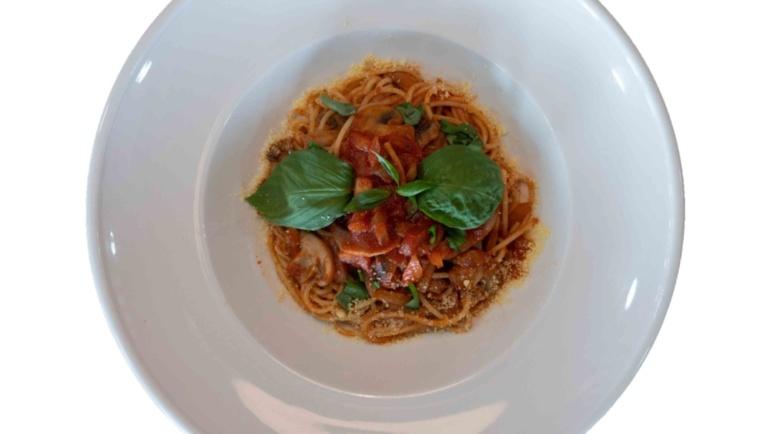 Vegetarian Pasta (κόκκινη σάλτσα)